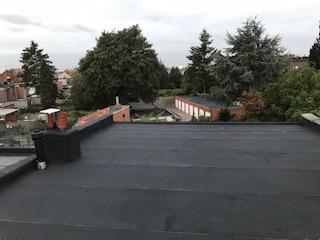 Een plat dak verdient de beste zorgen. Waterdichtheid en isolatie zijn hierbij van levensbelang. Wij garanderen een volledig waterdicht dak vak de beste kwaliteit.